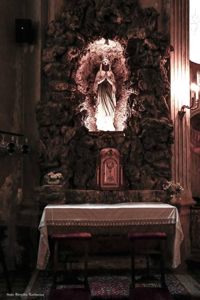 2014_056_0223_altare