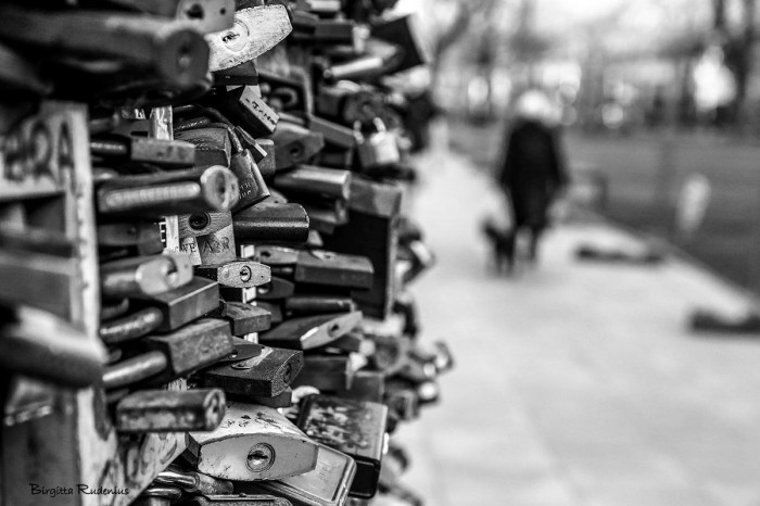 bw_20150326_locks
