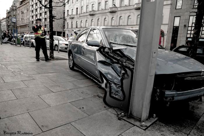 car_20150326_crasch