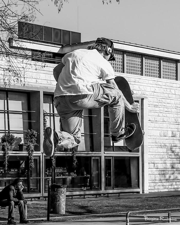 street_20150320_skater1