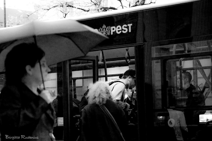 people_20150417_busstop
