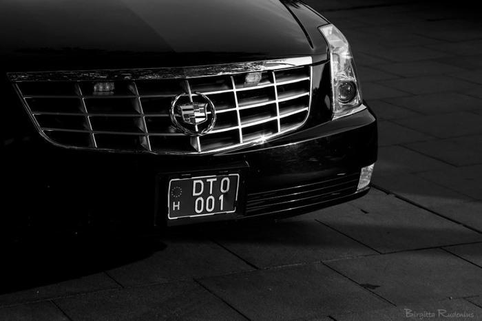 car_20150601_cadillac