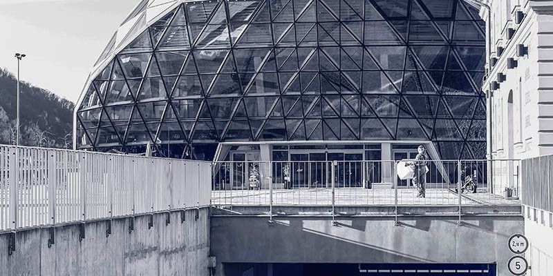 Blue halves - Art Center