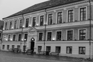 BW - City Hall